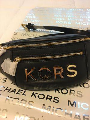 New Authentic Michael Kors Waist Bag Fanny Pack for Sale in Bellflower, CA
