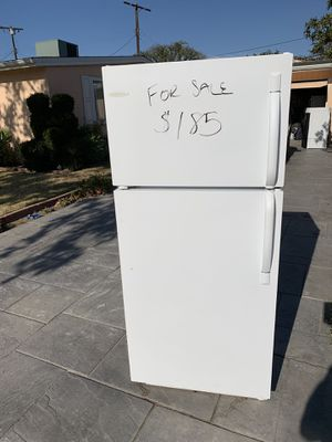 Frigidaire very clean for Sale in Los Angeles, CA