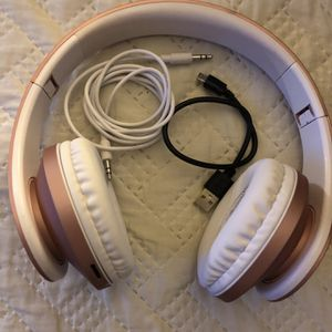Brand New Headphones for Sale in Saint Charles, MO