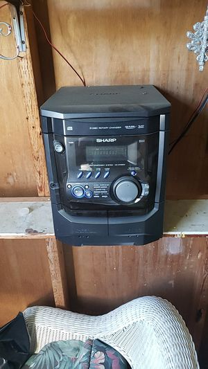 Stereo the CD player do not work but sounds good for Sale in Safety Harbor, FL