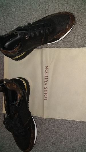 New man Louis Vuitton sneaker for Sale in Pittsburgh, PA