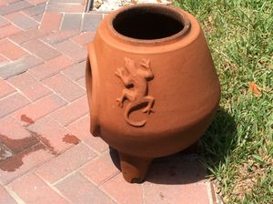 Chiminea clay fireplace. No cracks. Lizard design!!! for Sale in Safety Harbor, FL