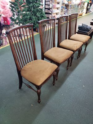 4 chairs for Sale in Kissimmee, FL