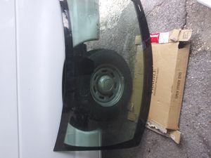 Jeep grand Cherokee 2013 front windshield for Sale in Tampa, FL