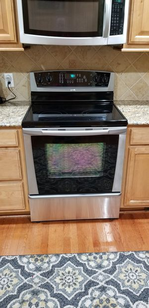 Oven, freestanding range Whirlpool Gold Stainless for Sale in Greenville, NC