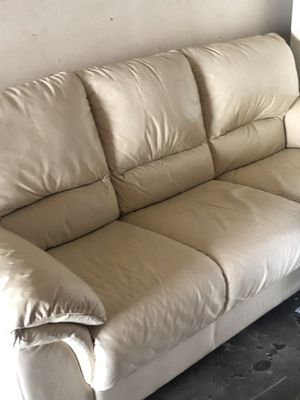 White leather couch like new for Sale in Fullerton, CA