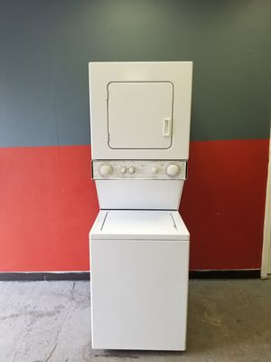 """24"""" apartment size gas dryer washer combo for Sale in Aurora, IL"""