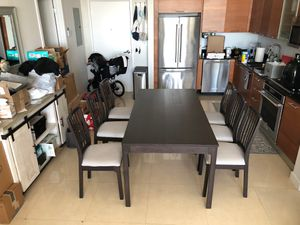 dining room or kitchen table for Sale in Miami, FL