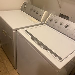 Whirlpool Gold Wash And Dryer for Sale in Columbia, SC