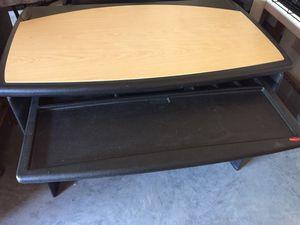 Computer desk by Rubbermaid for Sale in Murfreesboro, TN