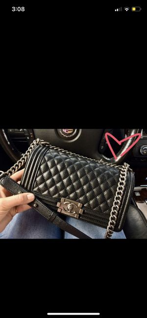 Chanel boy bag (box Nd dustbag included for Sale in Houston, TX