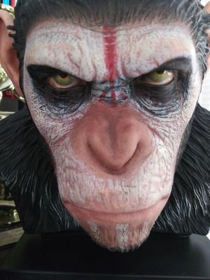 Planet of the apes statue for Sale in Fontana, CA