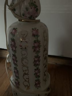 Porcelain Antique Rose With Gold AccentsTall Lamp for Sale in Pittsburgh,  PA