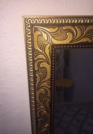 Gold framed mirror for Sale in Miami, FL