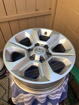 2017 4runner Tundra Tacoma OEM Toyota Wheels 17x7 for Sale in Gilbert, AZ