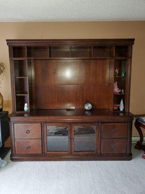 Entertainment center. TV stand for Sale in Auburn, WA