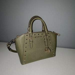 Michael Kors Medium Ciara Messenger Satchel Crossbody Leather Bag Handbag Duffle Green for Sale in Allen Park, MI