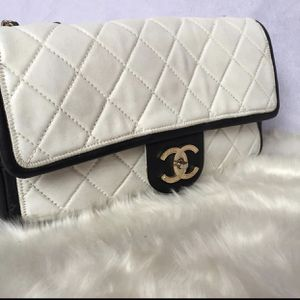 Chanel bag for Sale in Saginaw, TX