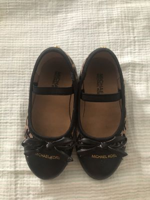 Michael kors kids shoe for Sale in Queens, NY