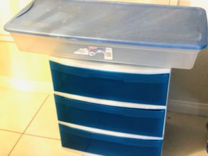 Three drawers plastic containers for Sale in Garden Grove, CA