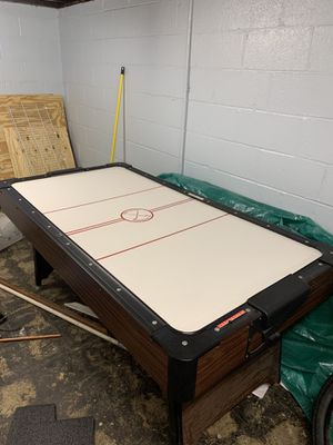 7' Air Hockey Table for Sale in Chesterland, OH
