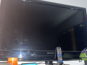 Flat screen Emerson tv for Sale in Perris, CA