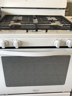 WHIRLPOOL GAS STOVE BRAND NEW OPEN BOX 4 Burners for Sale in March Air Reserve Base,  CA