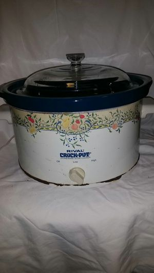 """Large Rival Crock-Pot Slow cooker, it's getting """" Cold for Sale in Oklahoma City, OK"""