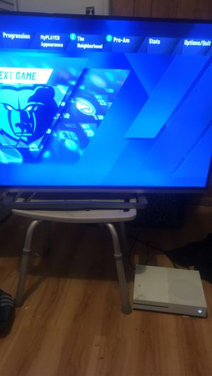"""55"""" and Xbox One S 2 TB for Sale in Orlando, FL"""