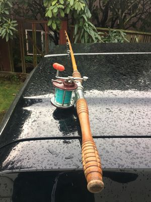 Vintage Sheepshead Bamboo Pole with Penn Fishing Reel for Sale in Seattle, WA