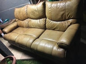 Lazy boy leather reclining couch for Sale in Phoenix, AZ
