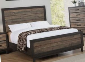 Beautiful Dark Wood Color Queen Bedroom Set for Sale in Charlotte, NC