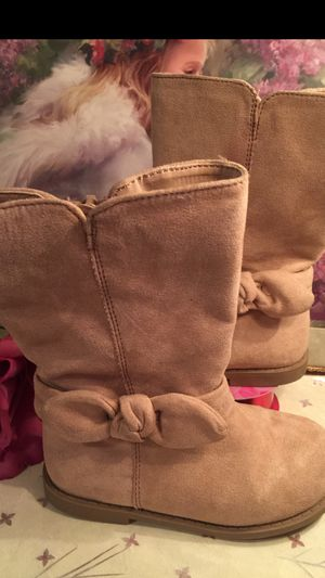 Little girls euc suede camel color zip boots flats non skip bow on ankle sz4 for Sale in Northfield, OH