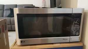 Microwave LG like new for Sale in Hialeah, FL