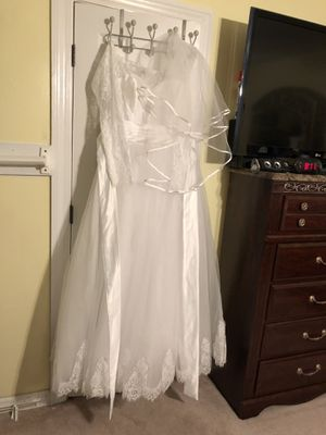 Wedding Dress size 14 for Sale in WESLEYAN COL, NC
