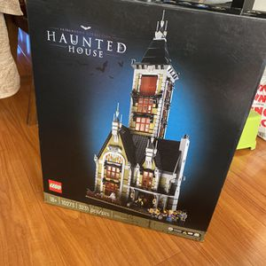 Lego 10273 for Sale in Los Angeles, CA