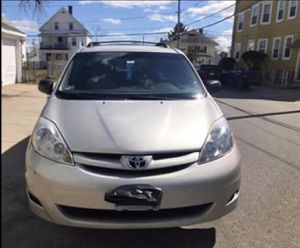 Toyota sienna 2007 AWD for Sale in Providence, RI