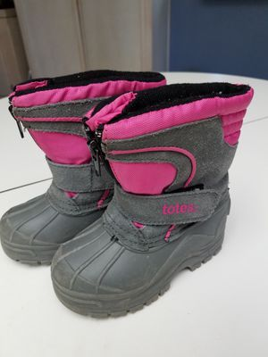 Totes snow boots for kids size 6 for Sale in Colton, CA