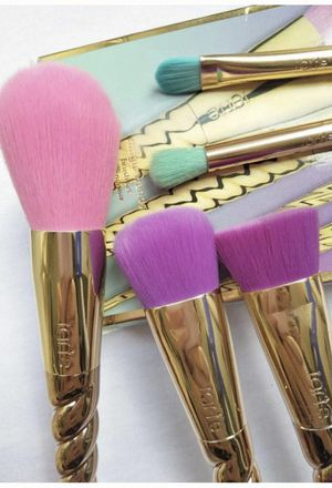 Limited Edition Gold Unicorn 🦄 Makeup 💄 Brushes Set for Sale in Bakersfield, CA