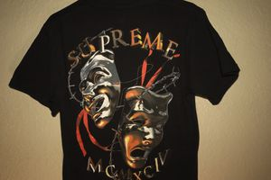 """Supreme """"Laugh now"""" size: small (fits like a medium) for Sale in Cypress Gardens, FL"""