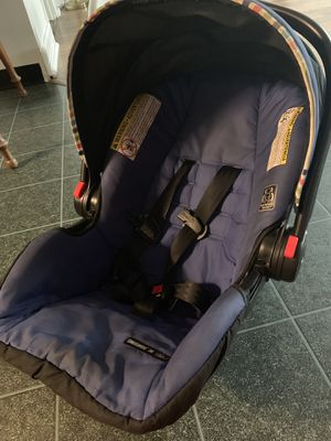 Graco car seat for Sale in Beaver Falls, PA