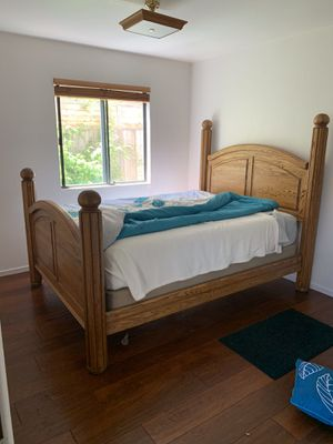 Queen size solid oak bed frame for Sale in Orcutt, CA