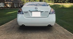 very nice nissan altima 2008 white for Sale in St. Louis, MO