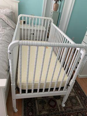 Beautiful white baby crib for Sale in Hampton, VA