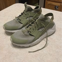 Men's Size 11 Nike Air Tennis Shoes for Sale in Red Oak,  TX