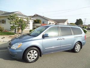 2008 Hyundai Entourage Mini Van Double Doors V6 Runs Good Smogged Look for Sale in San Lorenzo, CA