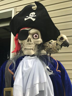 Animated Halloween pirate decoration for Sale in Atco, NJ
