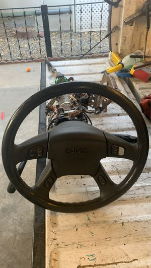 Steering wheel comes with key 🔑 for Sale in San Bernardino, CA