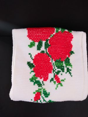 Hand Crocheted White Strawberry Stitch Ruffle Edge Afghan 62x46 Throw Blanket for Sale in Garland, TX