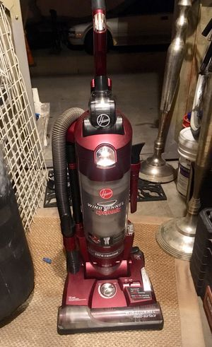 HOOVER WINDTUNNEL CYCLONIC VACUUM for Sale in Costa Mesa, CA